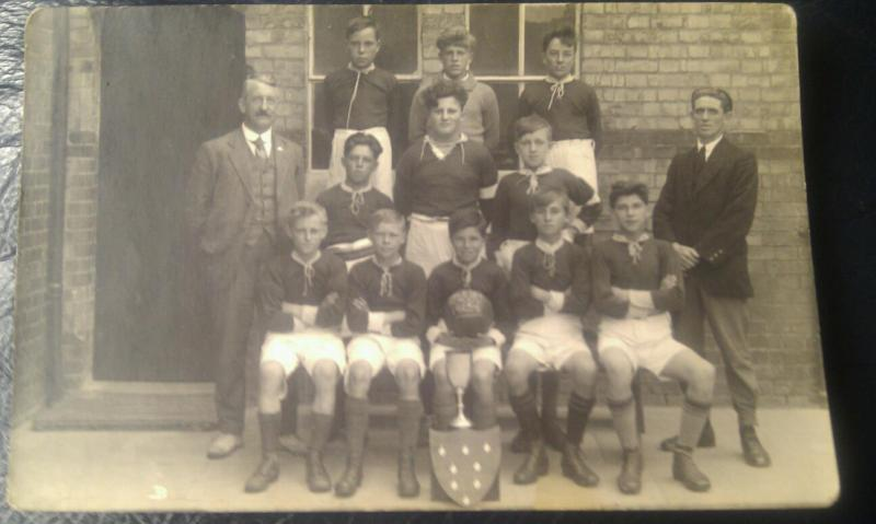 Arlesey primary football team1925