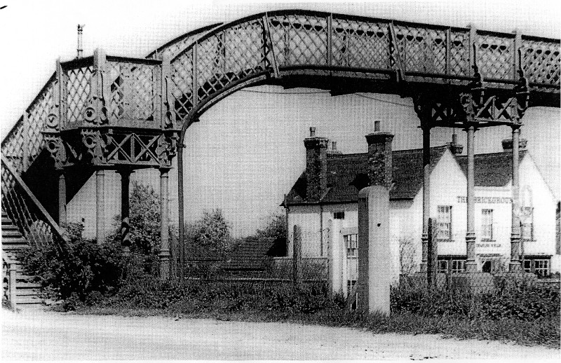 arlesey beautiful victorian bridge